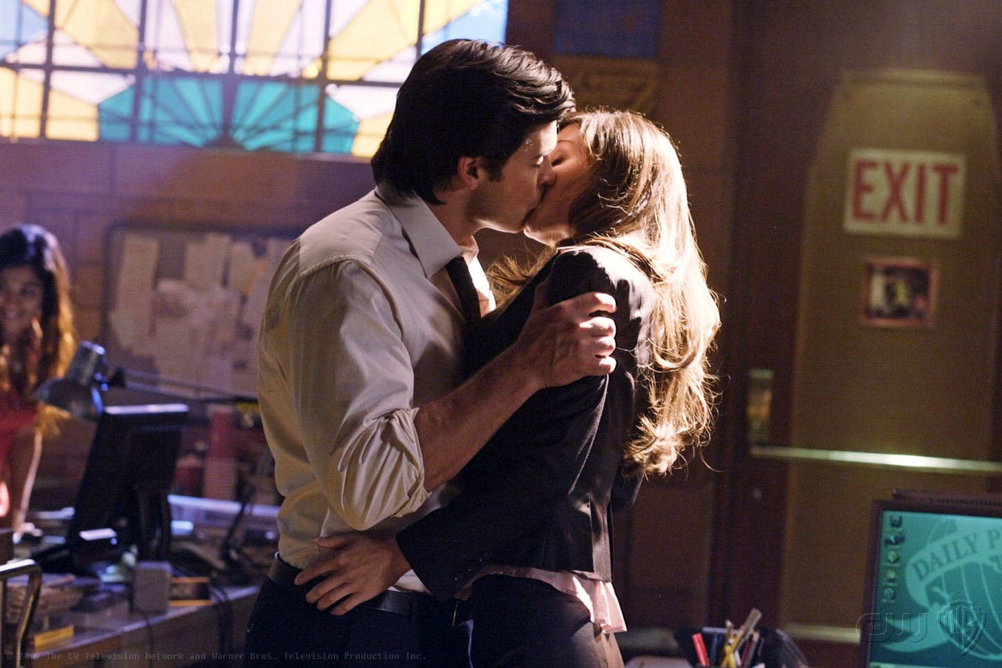 when does lois and clark start dating in smallville 10+ pictures inside of tom welling and erica durance  he's dating lois lane i think what smallville has  jokes about 'lois and clark.